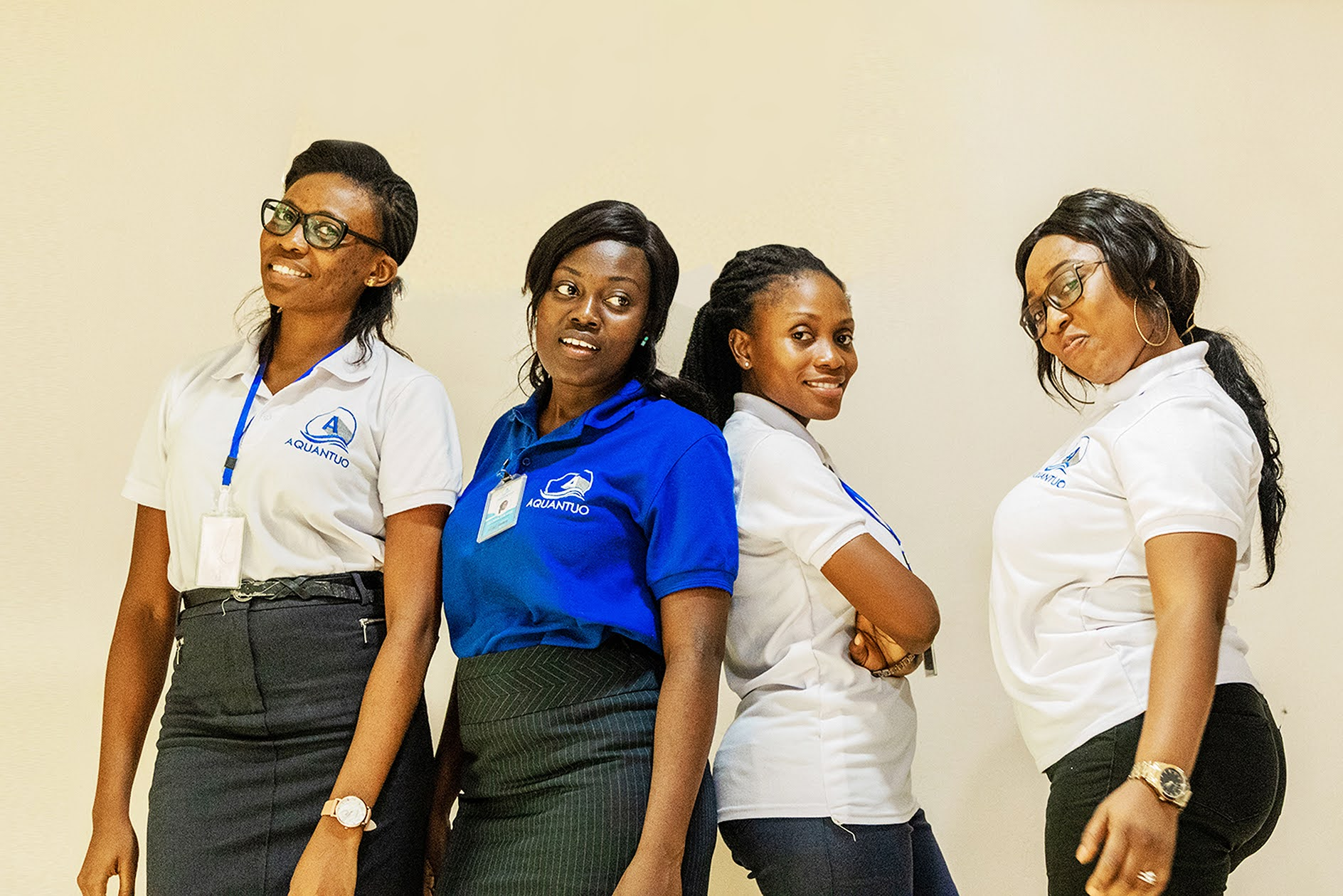 International shipping company team